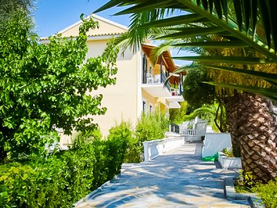 Niouris Apartments Agios Gordis